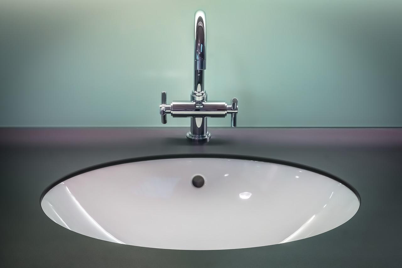 Come pulire i rubinetti dal calcare persistente