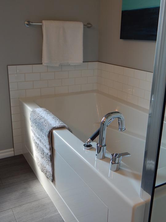 Le cinque regole del bagno rilassante perfetto