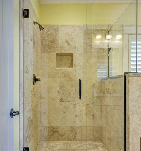 Mosaico doccia consigli per pulirlo al meglio - Mosaico per bagno doccia ...