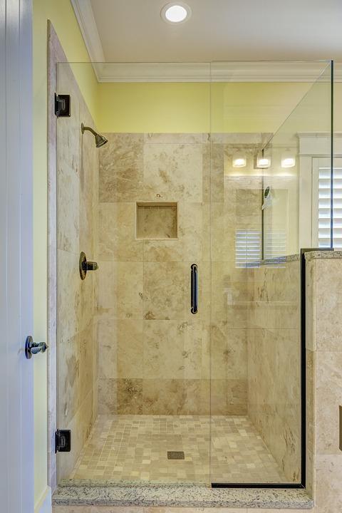Mosaico doccia consigli per pulirlo al meglio