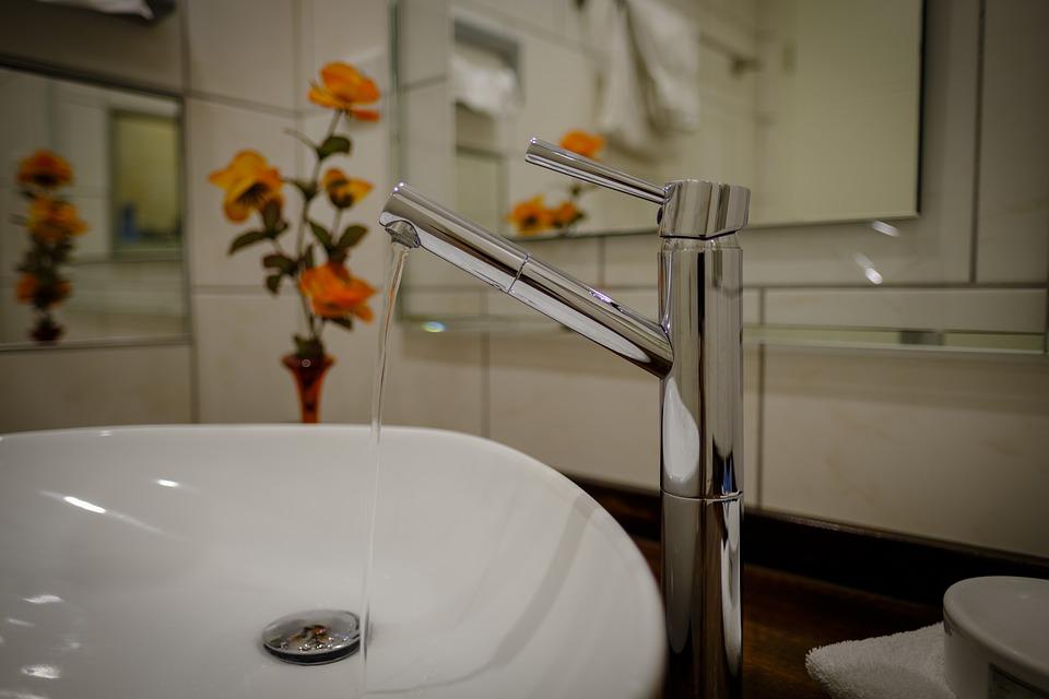 lucidare rubinetti cromati