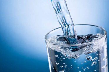 acqua potabile dal rubinetto