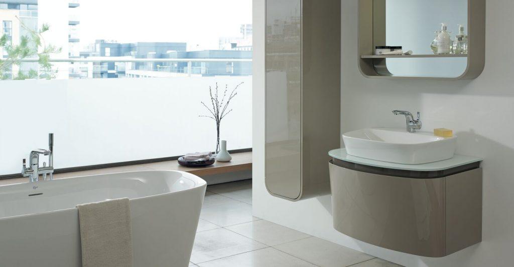 Ideal Standard, vasca serie Dea centro stanza