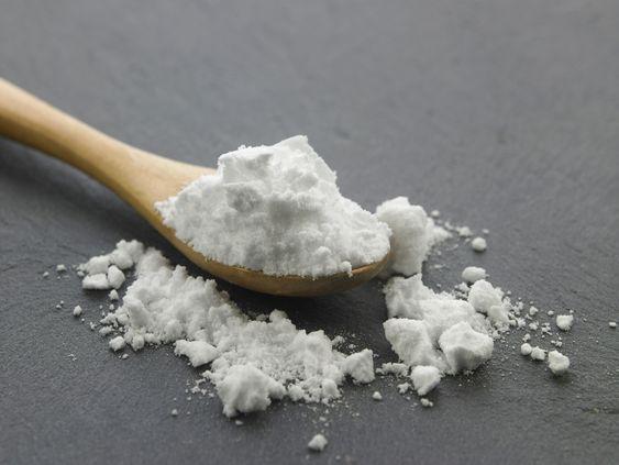 bicarbonato di sodio sale e aceto